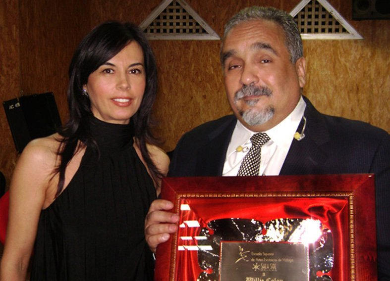 willie_colon_recibiendo_premio_esaem_por_marisa_zafra_0.jpeg