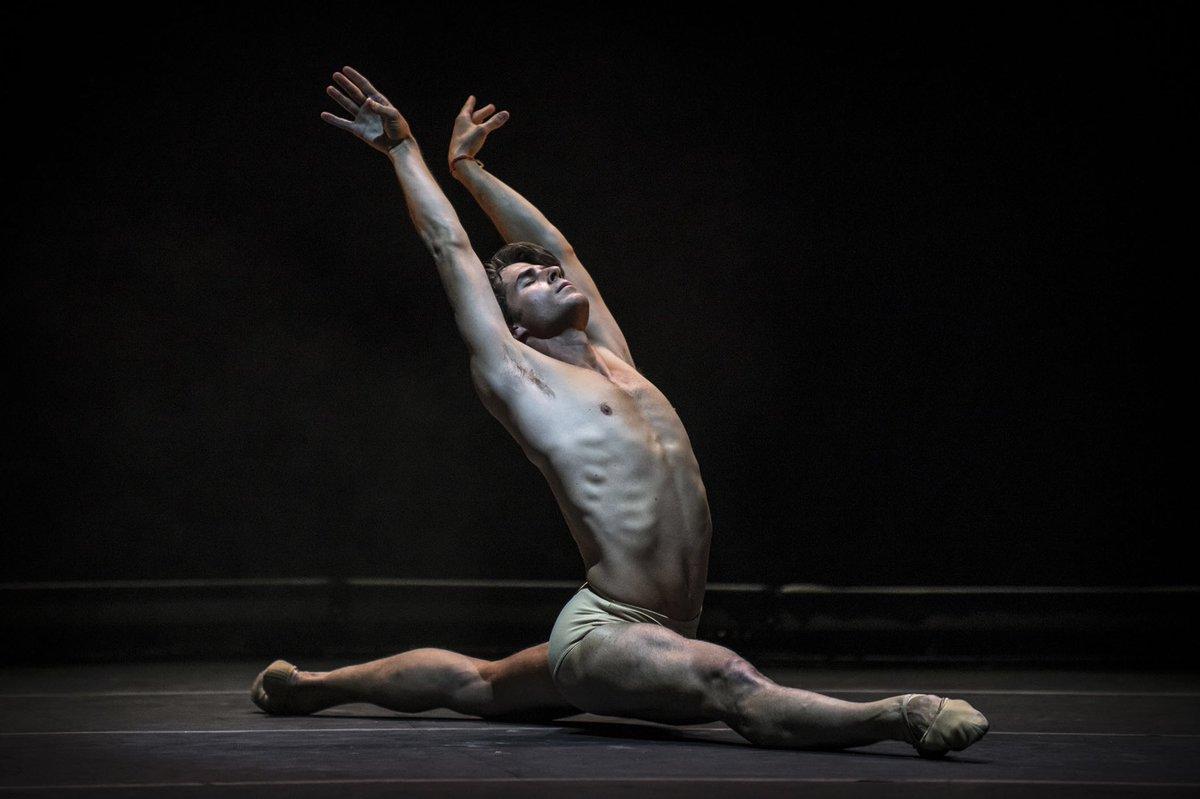 Sergio Bernal primer bailarín del Ballet Nacional en ESAEM