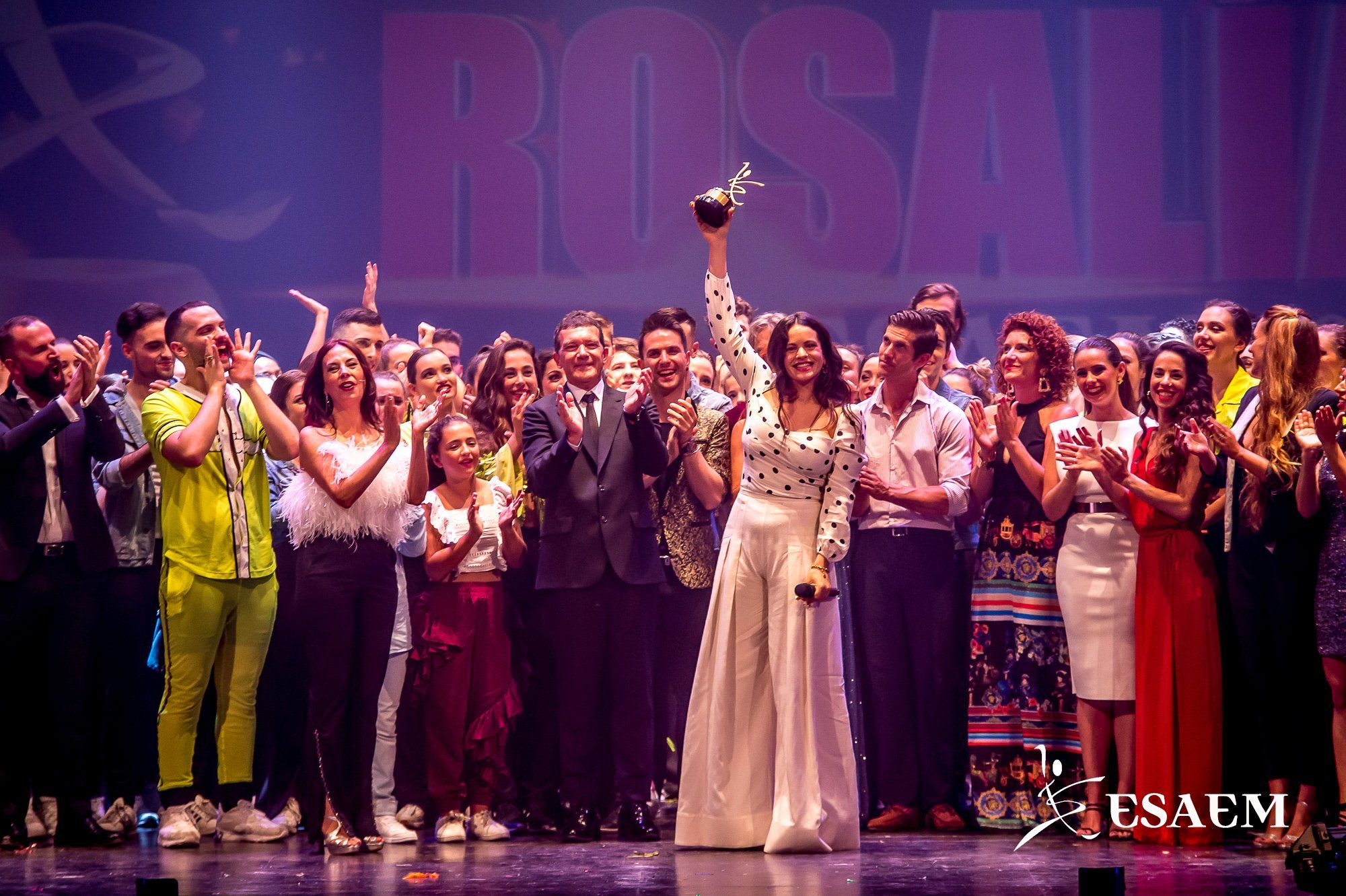rosalia-premio-antonio-banderas-esaem