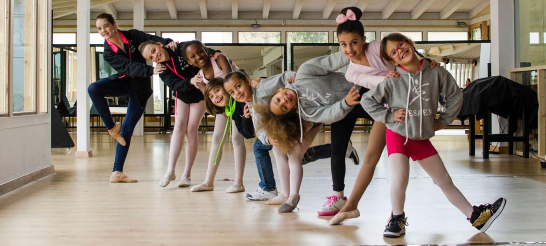 Los niños que bailan son más felices