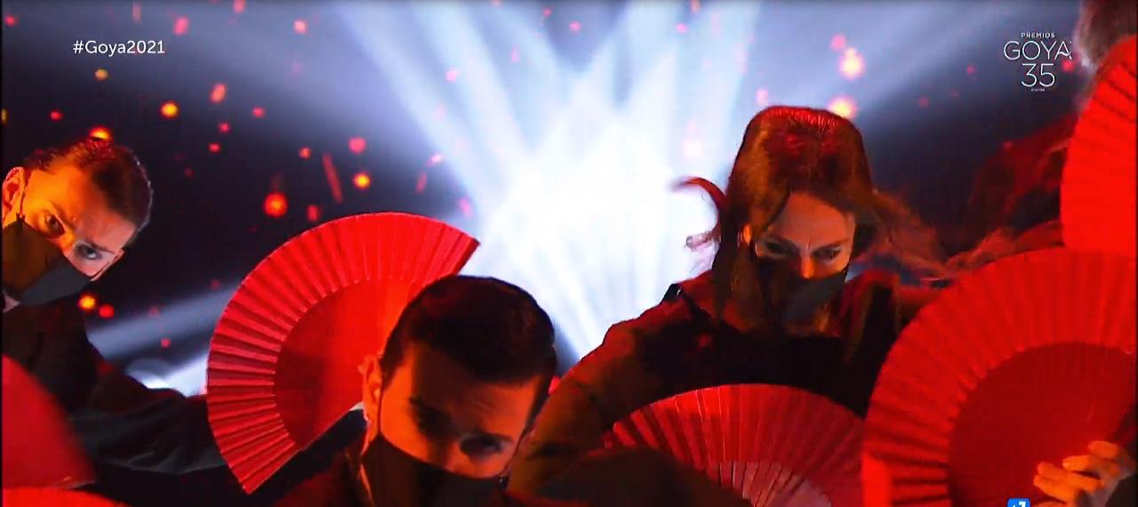 bailarines-goya-2021-esaem-abanicos